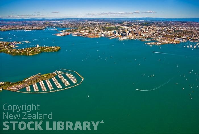 Aerial;Auckland Central;Harbourfishing;boating;speed boating;Beach;sandy beach;homes;swimming;Auckland Harbour;Harbour Bridge;Bayswater marina;Sky Tower;Herne Bay;freemans Bay;Waitemate Harbour;Devonport;North Head;Birkenhead;ships;Ponsonby;Parnell;New Zealand photography