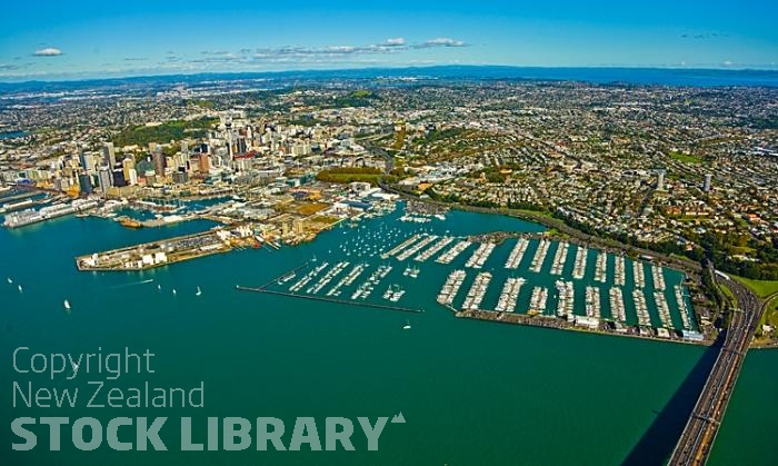 Aerial;Auckland Central;Harbourfishing;boating;speed boating;Beach;sandy beach;homes;swimming;Auckland Harbour;Harbour Bridge;Sky Tower;Herne Bay;freemans Bay;Waitemate Harbour;Devonport;North Head;Birkenhead;ships;Ponsonby;Parnell;New Zealand photography