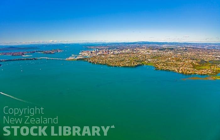 Aerial;Auckland Central;Harbourfishing;boating;speed boating;Beach;sandy beach;homes;swimming;Auckland Harbour;Harbour Bridge;Sky Tower;Herne Bay;freemans Bay;Waitemate Harbour;Devonport;North Head;Birkenhead;ships;Ponsonby;Parnell;Rangitoto Island;New Zealand