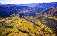 Aerial;Arrowtown;Otago;Heritage_Museum;churches;church;golf;golf_courses;Arrow_R