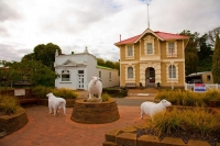 Hunterville;Manawatu;Huntaway;Huntaway_dogs;sculptures;dog_sculpture;sheep_sculp